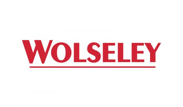 Réalisation de l'éclairage d'entrepôts neufs pour le compte du Groupe anglais WOLSELEY.